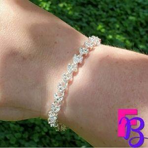 8 CTW White Gold Tennis Bracelet